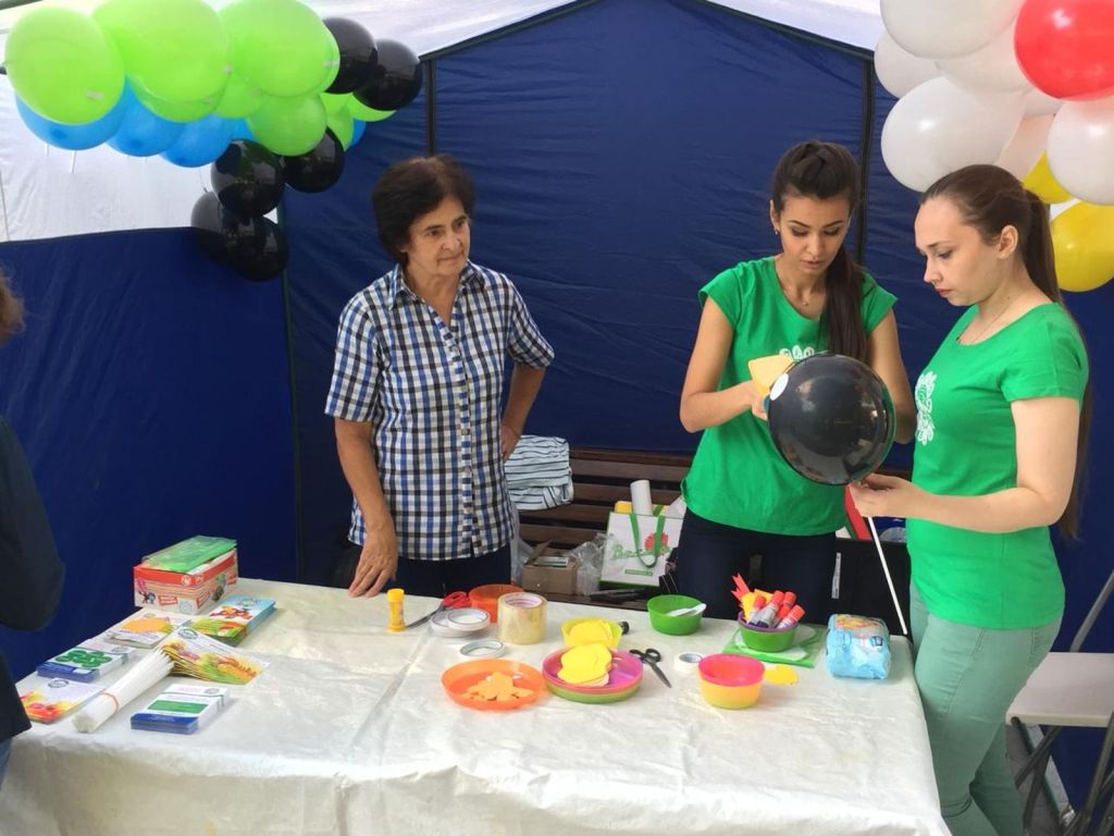 Детская благотворительная ярмарка-129