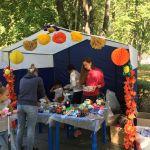 Детская благотворительная ярмарка-144