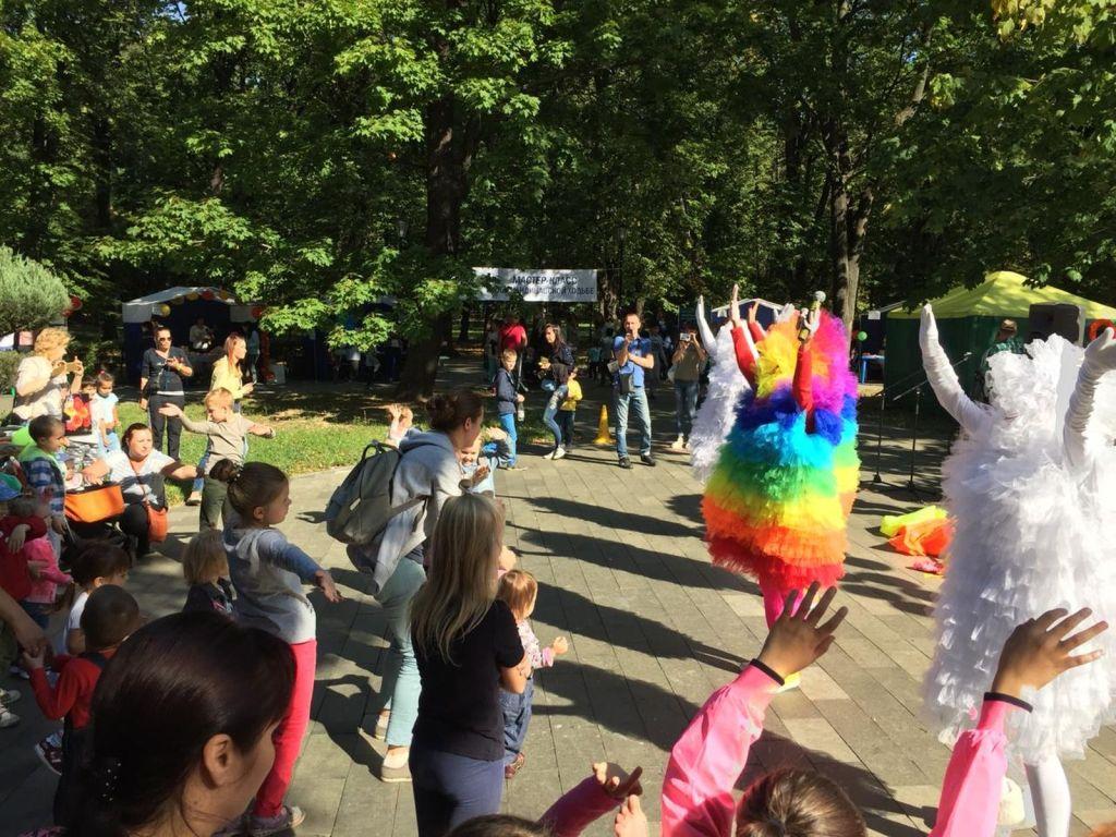 Детская благотворительная ярмарка-164
