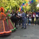 Детская благотворительная ярмарка-190