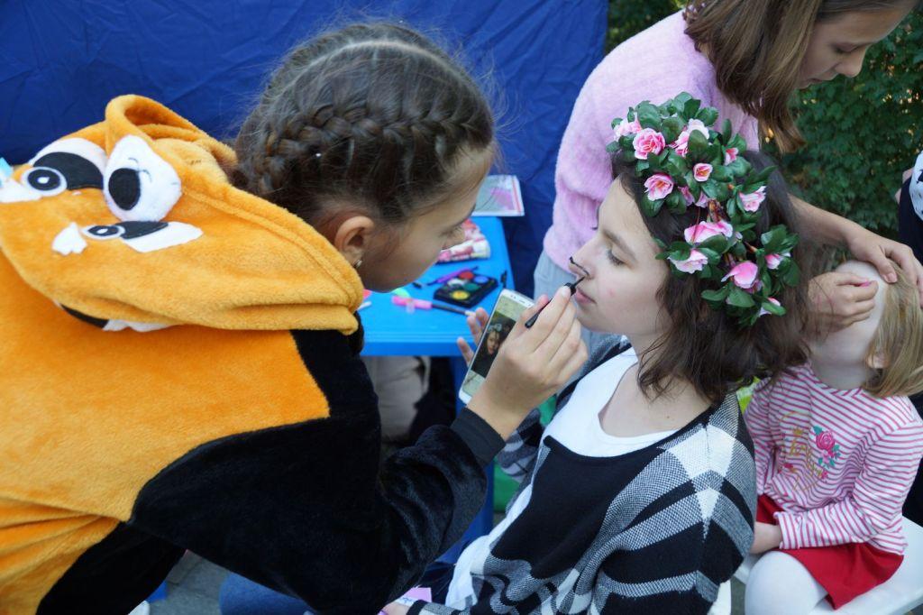 Детская благотворительная ярмарка-87